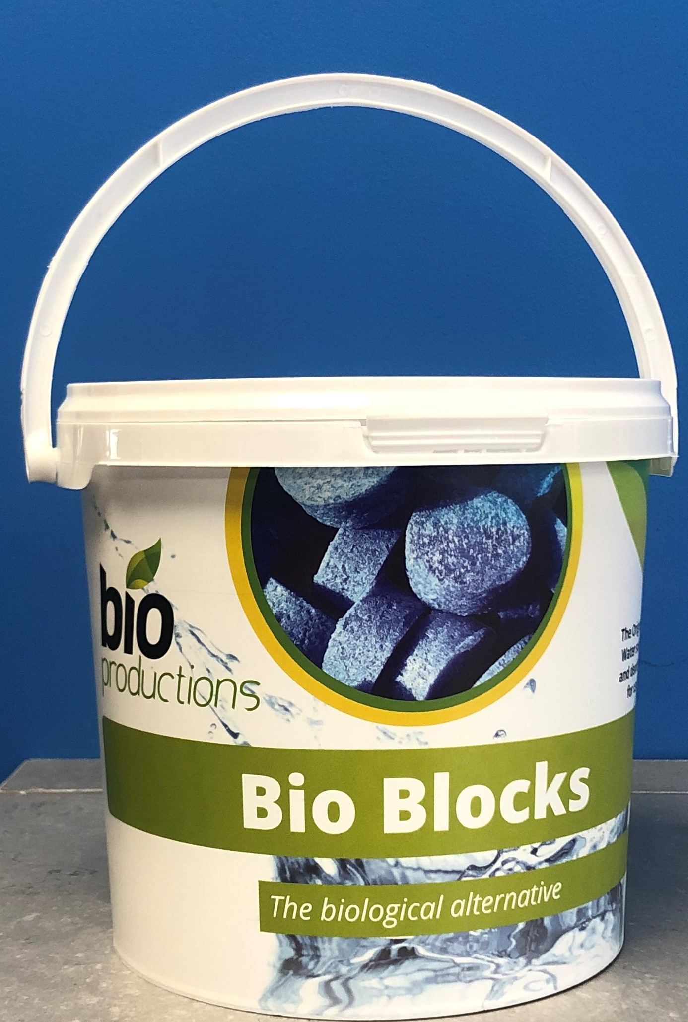 Biological Urinal/Channel Blocks (50 Approx.1.1kg.Tub)